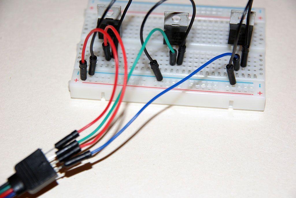 Tutorial: How to control a LED-Strip with a Raspberry Pi | EN+DE
